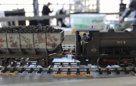 An O Gauge locomotive in action