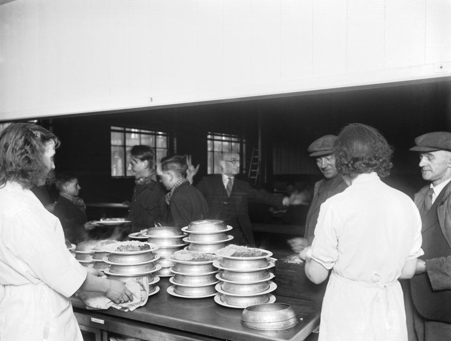 Black and white photograph of the dining room at Shildon railway works, about 1945